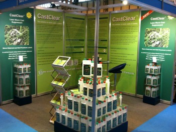 Grassclippings - CastClear Show Stand