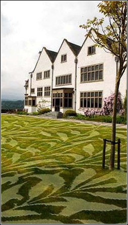 Steve Messam - William Morris Wallpaper