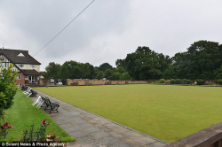 Grass Clippings - Fury over Bowls Club Etiquette