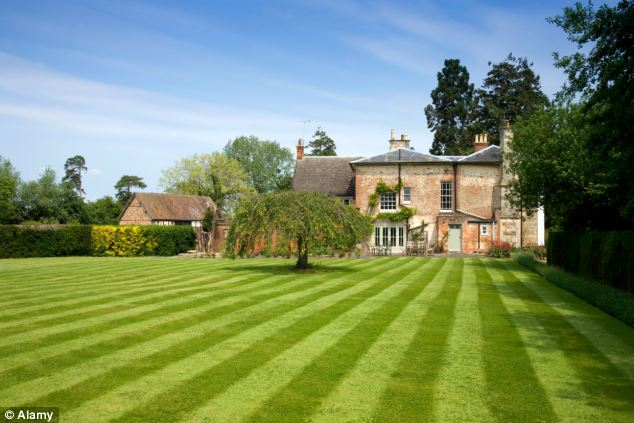 GrassClippings - Poor Media Coverage of Lawns