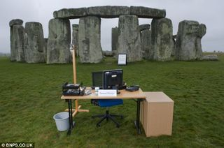 Grassclippings - Stonehenge